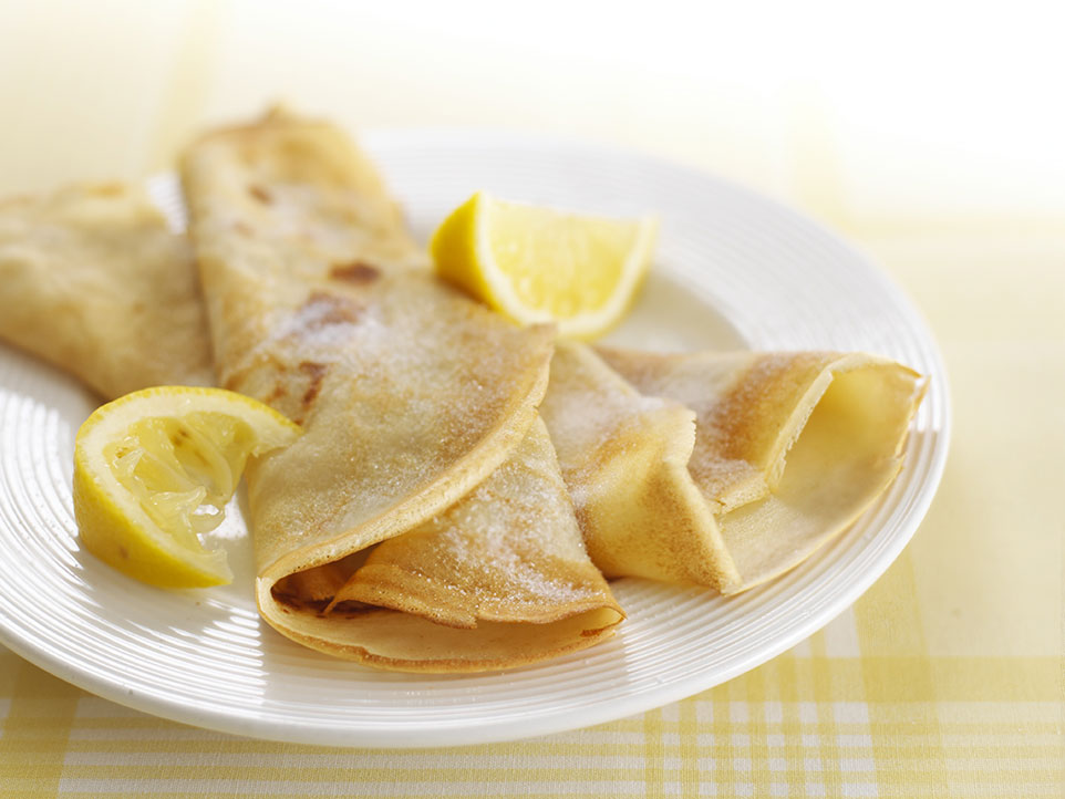 Quick and easy crepes recipe annabel karmel for Entrees simples