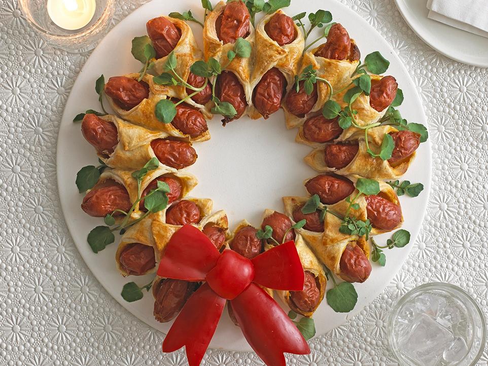 mini hot dog christmas wreath annabel karmel