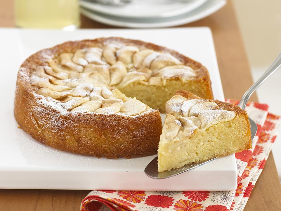 Apple & Almond Cake | Annabel Karmel