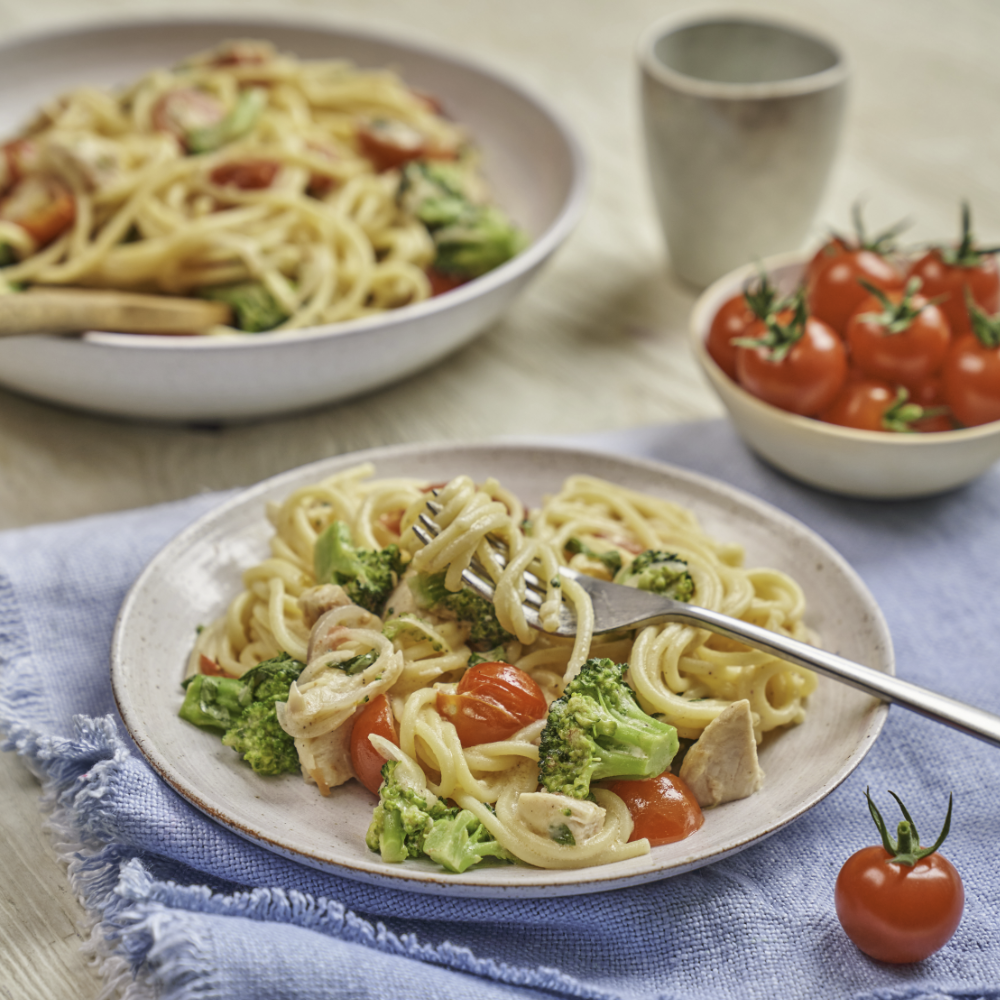 Spaghetti with Tomatoes, Chicken & Broccoli recipe by annabel karmel