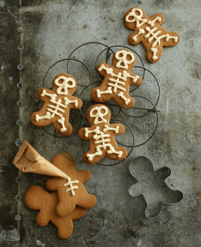 Hallowe'en Gingerbread Mummies and Skeletons